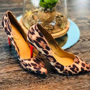 XOXO Filomena Leopard Print Heels